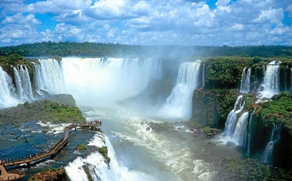 Foz do Iguaçu desponta como roteiro ideal par a idosos (Christian Knepper/MTur/Divulgação - 28/2/06 )