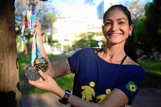 Amiga da mãe da doadora, a educadora física Liège Gautério virou atleta depois de receber um novo pulmão  (Arquivo Pessoal)