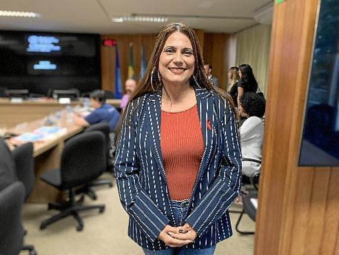 Uma das entrevistadoras, Vanessa é portadora e mostrou a outros iguais que assumir ajuda contra o preconceito (Maria Eduarda Cardim/CB/D.A Press)