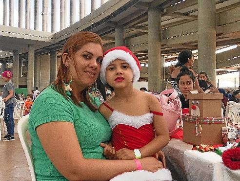 Tuany Santos e a filha Ana Letícia (Renata Rusky/CB/D.A Press)
