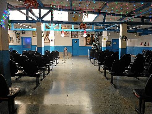 Sala de espera da Casa de Dom Inácio na quarta-feira, antes das atividades da tarde, que reuniram cerca de 20 visitantes (Claudia Dianni/CB/D.A Press)