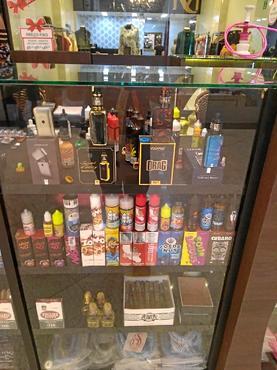 Quiosque no Taguatinga Shopping expõe DEFs e fluidos na vitrine (Arquivo Pessoal)