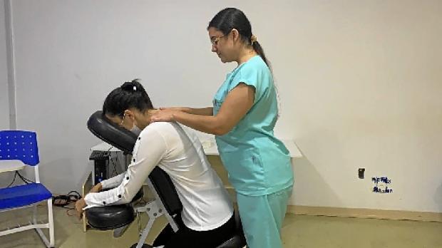 O Hospital Universitário de Brasília criou o Projeto Cuidar, que oferece massagens, dentre outras atividades  (Unidade Psicossocial do HUB/Divulgação)