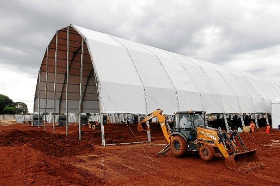 Em construção desde 7 de abril, Hospital de Campanha de Águas Lindas (GO) deve receber até 200 leitos (Minervino Júnior/CB/D.A Press)
