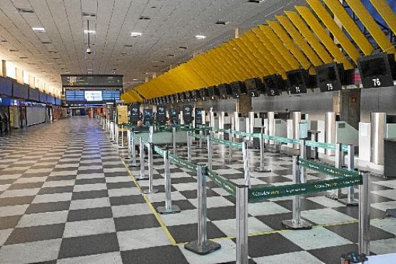 Aeroporto de Congonhas ontem: isolamento em São Paulo caiu para 53% (Mister Shadow / ASI/Estadão Conteudo)