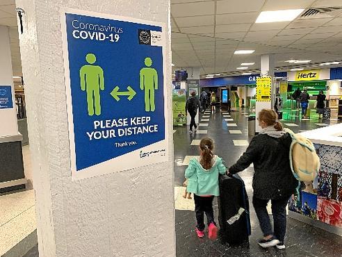 Em aeroporto do Reino Unido, recomendação de respeito à distância (AFP)
