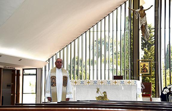 Fábio Bento da Costa, pároco da igreja desde 2019 (Ed Alves/CB/D.A. Press)