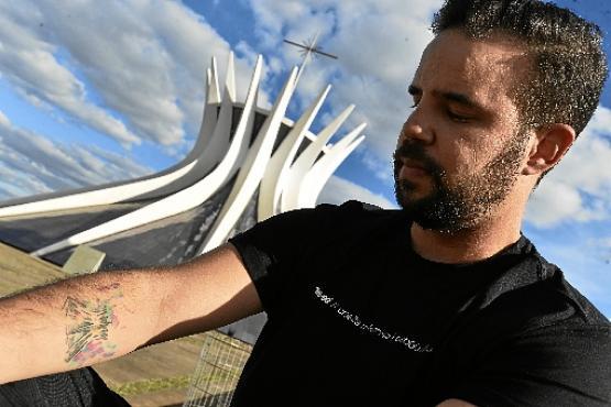 Alex Claver tatuou a Catedral de Brasília: arquitetura e religião (Minervino J?nior/CB/D.A Press)