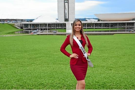 Bárbara Barros passou a conhecer melhor os monumentos do DF durante os concursos de miss que participou (Arquivo Pessoal)