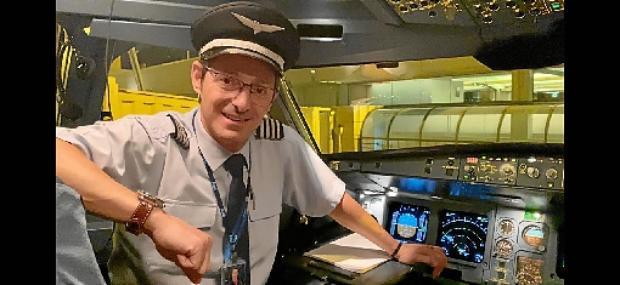 Piloto de um Airbus A330, Rogério Albernaz fazia, antes da crise sanitária, quatro voos por mês, para Portugal e EUA (Arquivo Pessoal)