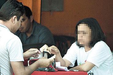 Flagrante de jogatina em Taguatinga Sul. Presos no fim do ano passado, bar�es da contraven��o continuam livres e ampliando os tent�culos.