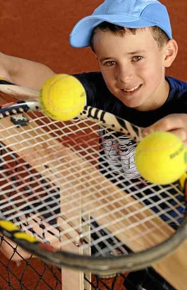 Destaque do DF no t�nis nacional, Jo�o Rafael, 10 anos, treina tr�s horas por dia e cuida da alimenta��o. Talento e dedica��o de olho no profissionalismo. (Carlos Vieira/CB/D.A Press)