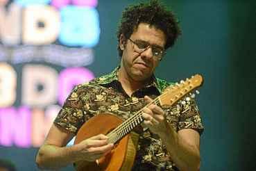 Hamilton de Holanda percorre o Brasil nos pr�ximos meses para lan�ar dois CDs. O bandolinista toca na capital em 17 de setembro.  (Andr� Violatti/Esp. CB/D.A Press)