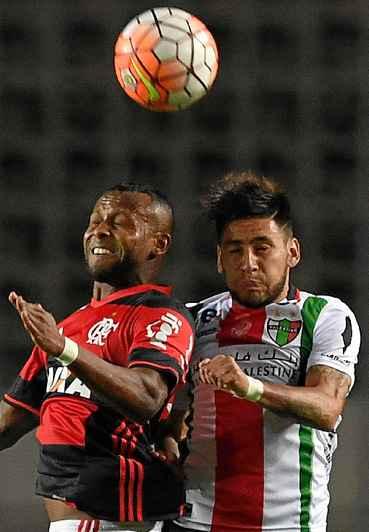 O Flamengo podia at� empatar, mas foi derrotado por 2 x 1 pelo Palestino, perdeu a invencibilidade em Cariacica e acabou eliminado da Sul-Americana. (Vanderlei Almeida/AFP)